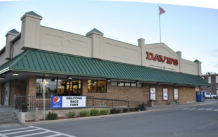 "DAVE'S SUPERMARKET – ""MEET AND GREET"" THE STOCK CARS & DRIVERS Dave's Supermarket is hosting a ""Meet and Greet"" for racing fans with the Fairbury Speedway's Stock Car Drivers who will have their Stock Cars in the east parking lot on Saturday, June 3rd, from1 pm to 3 pm. If..."